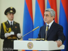 Серж Саргсян вручил государственные премии Республики Армения 2011г.