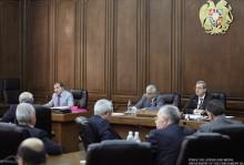 Աժ մշտական հանձնաժողովներում շարունակվում է քննարկվել «ՀՀ 2013 թ. պետական բյուջեի մասին» ՀՀ օրենքի նախագիծը