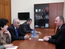 Руководитель парламентской фракции РПА встретился с послом Украины в РА