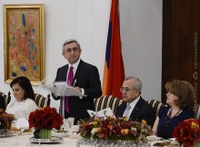 The President of Lebanon gave an official dinner in honor of President Serzh Sargsyan and Mrs. Rita Sargsyan