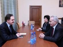 Галуст Саакян встретился с послом Польши в Армении
