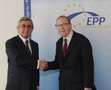 Սերժ Սարգսյանը հանդիպում է ունեցել Եվրոպական ժողովրդական կուսակցության նախագահ Վիլֆրիդ Մարտենսի հետ