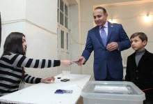 RA NA President Hovik Abrahamyan Takes Part in the RA Presidential Elections