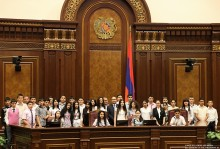 Students of the State Agricultural College of the Armenian National Agrarian University in the National Assembly