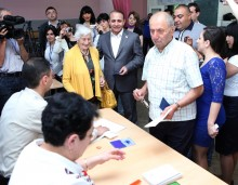RA NA President Hovik Abrahamyan Takes Part in the Elections of Yerevan&rsquo; Council of Elders