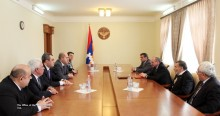 Президент НКР Бако Саакян встретился с Арменом Ашотяном