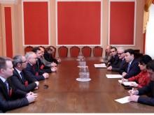 ԱԺ փոխնախագահը հանդիպեց տարբեր երկրների ԱԱՊ արբիտրաժային դատարանների ներկայացուցիչներին
