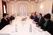 ՀՀ ԱԺ նախագահ Հովիկ Աբրահամյանը հանդիպեց զոհված եւ անհետ կորած ազատամարտիկների մայրերի հետ